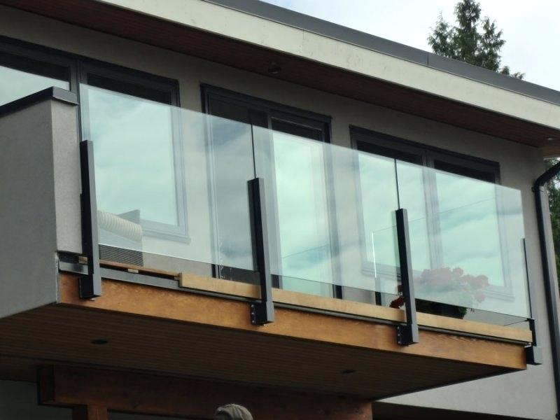 بالکن شیشه ای چیست و چه مزیت هایی دارد ؟
